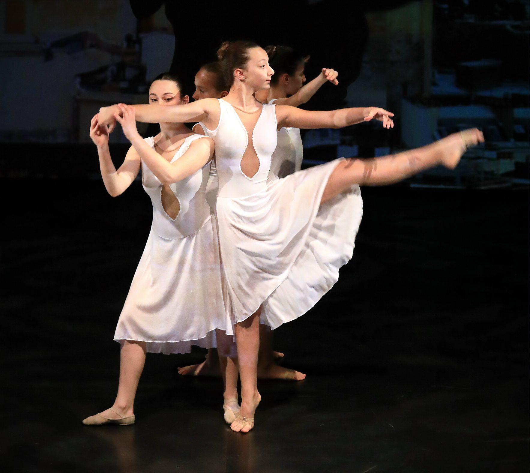foto-danza-1-e1571953596758